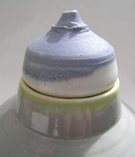 detail: porcelain vessels / lid