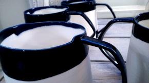porcelain mugs with angled handles